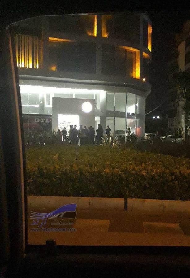 صف خرید فولکس واگن پاسات در نیمه شب