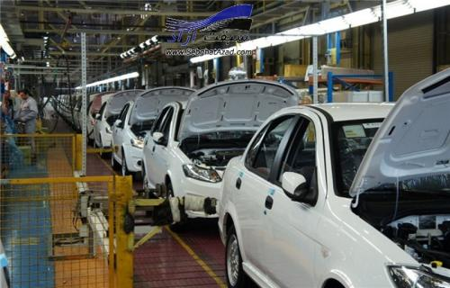 تعطیلی خودروسازیها به نفع کشور است
