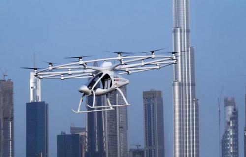 اولین تاکسی پرنده بدون راننده برفراز آسمان دوبی