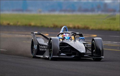 بیامو برای پنجمین فصل مسابقات فرمول ماشین برقی آماده میشود
