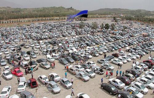 بازار خودرو آشفته و غیرقابل پیش بینی شده است